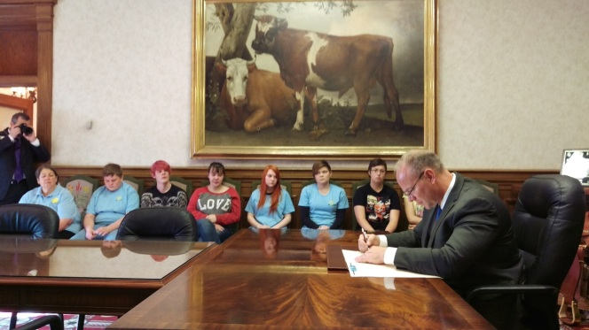 Governor Mead signing the 16 Days of Activism Against Gender Violence Proclamation November 23, 2015