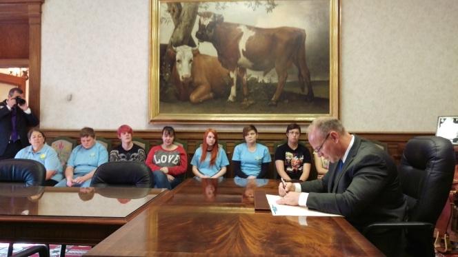 Governor Mead signing the 16 Days of Activism Against Gender Violence Proclamation November 23, 2015