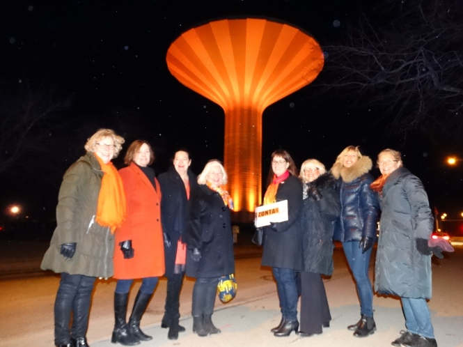 zonta-club-of-orebro-i-water-tower-and-zontians2