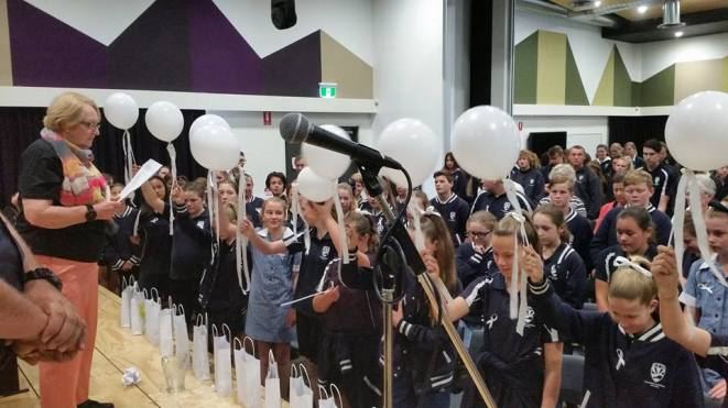 zonta-club-of-mt-barker-white-ribbon-day-assembly