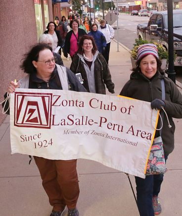 Linda Hiltabrand (left) and Michlle McCabe (right) participated in the Luminary Walk Against Domestic Violence, hosted by the Zonta Club of La Salle-Peru Area. (Photo: Scott Anderson)